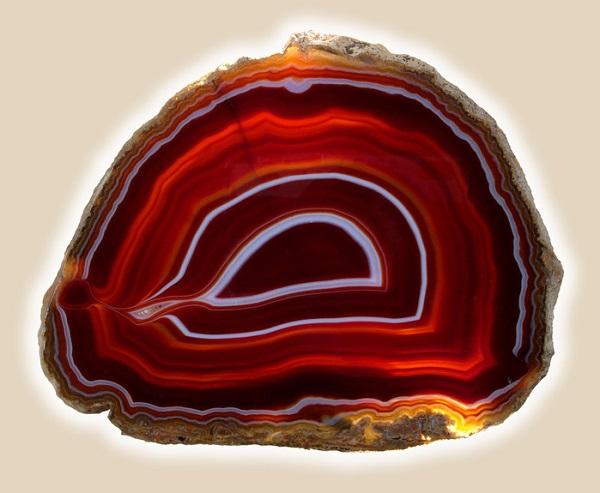 Камень агат огненный