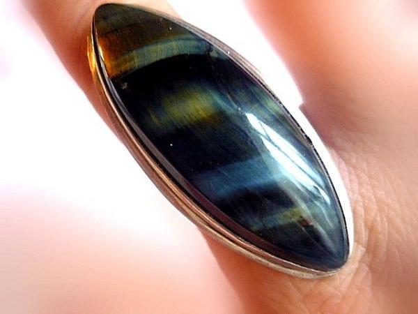 Перстень с соколиным глазом