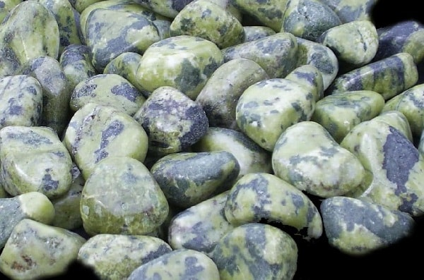 Камень зеленая яшма
