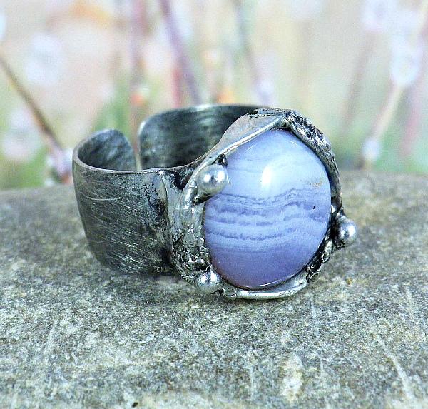Кольцо голубой агат