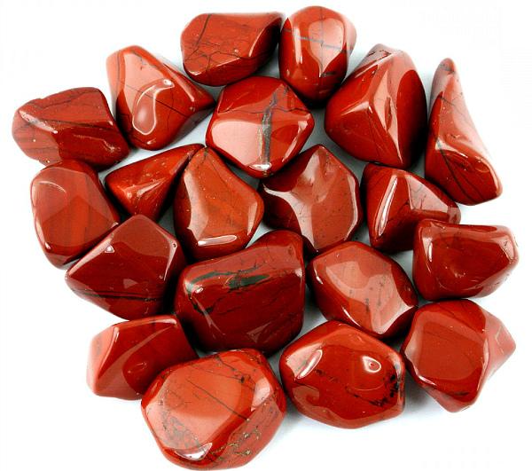 Кровавая яшма камушки