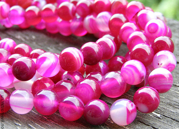 Розовый агат ожерелье