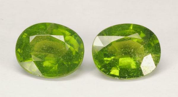 Два кристалла идокраза