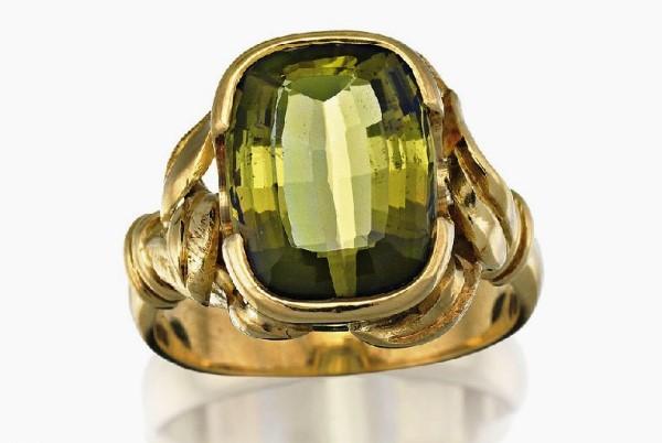 Кольцо с зеленым андалузитом