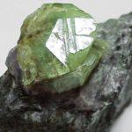 Хризоберилл камень: свойства и магия минерала