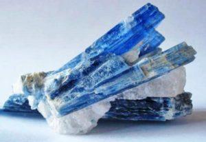 Кристаллы кианита