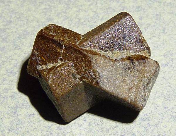 Камень ставролит - фото