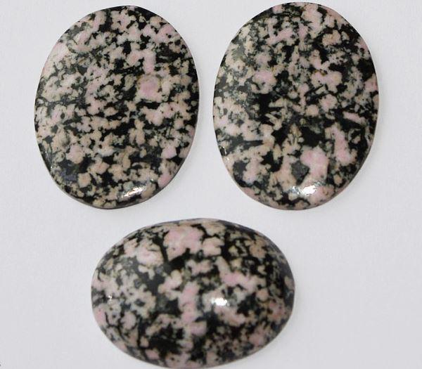 Камень тулит: магические свойства и особенности