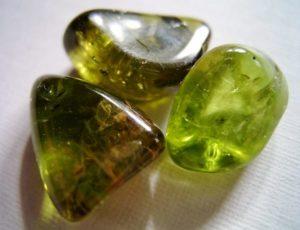 Камень перидот - фото