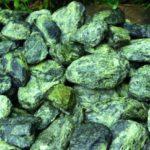 Змеевик камень: история, свойства и магия минерала