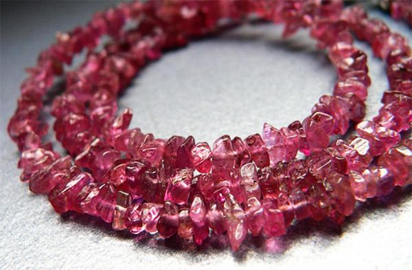 Колье из розового турмалина