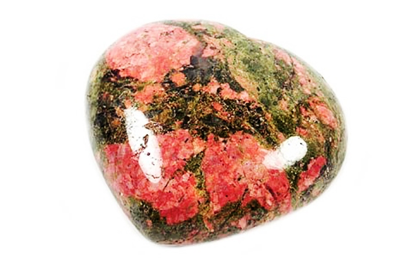 Лечебные качества минерала унакит выявлены давно