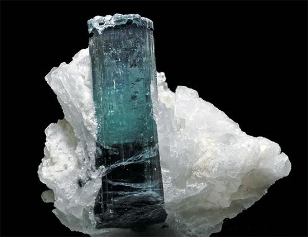 Индиголит минерал натуральный